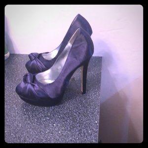 Navy blue heel shoes